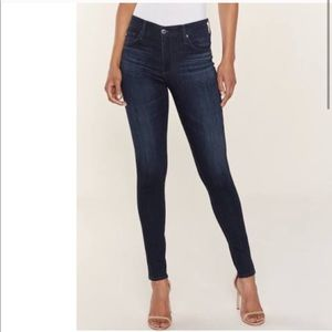 🔥Gorgeous AG Farrah high rise skinny jeans!!🔥